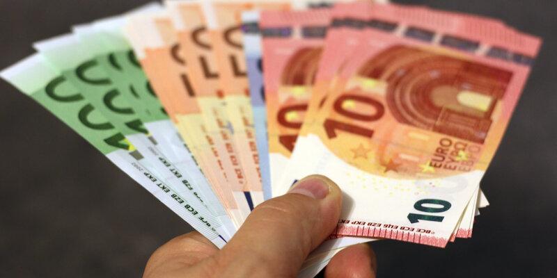 bank-note-banknote-banknotes-259251-panorama