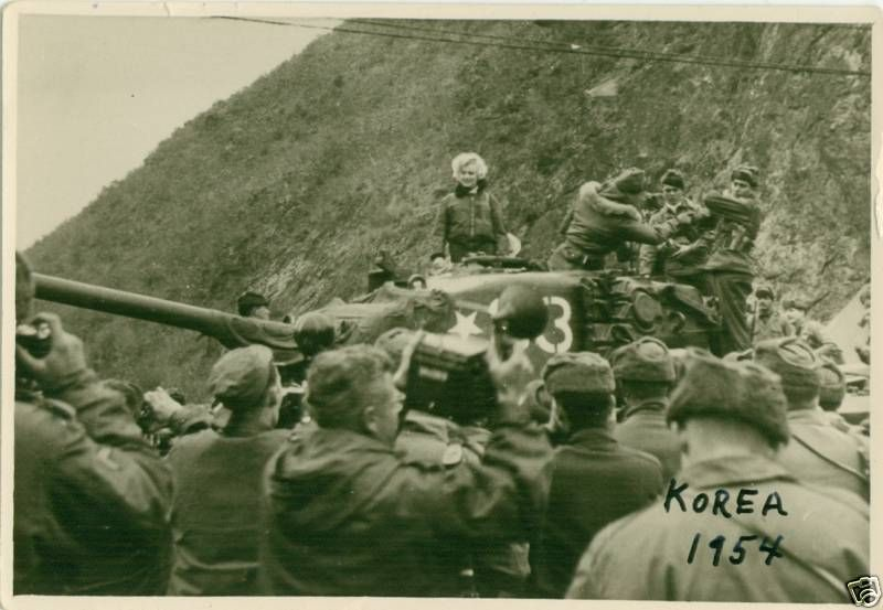 1954-02-17-korea-grenadier_palace-tank-022-1