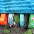 Pour les bébés : bavoirs et doudous étiquettes