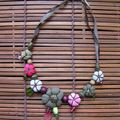 Collier court - chocolat, beige et rose
