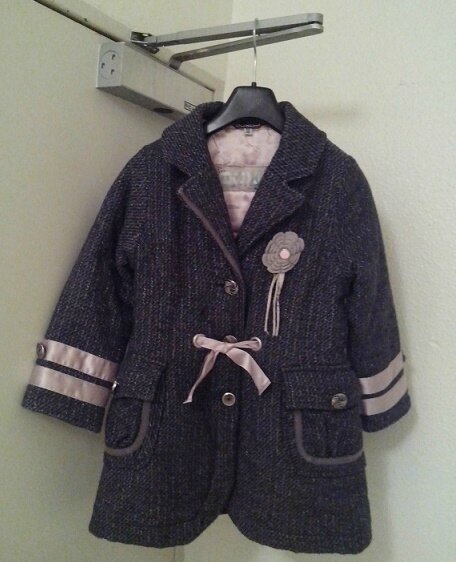 Manteau, ruban satin rose, 5 ans