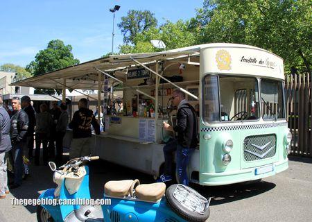 Citroen HY marchand carrossé par Gordia de 1965 (Retrorencard juin 2013) 02