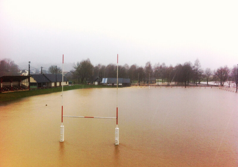 Bedous, terrain de rugby inondé (64)
