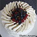 Gâteau à la chantilly et fruits rouges