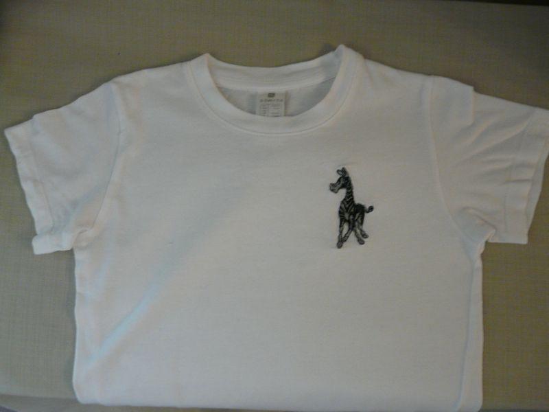 Tshirt brodé, avec un zèbre