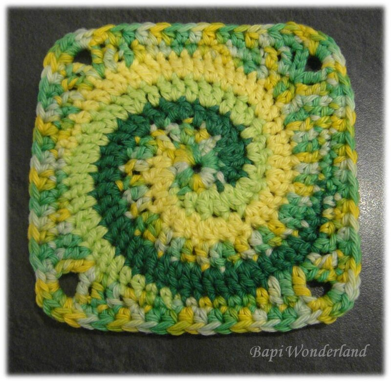 Message_25_05_Granny_love_challenge#11_Granny_Square_Twister