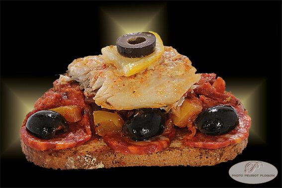 Toast_au_Filet_de_MAQUEREAU_sauce_TOMATE