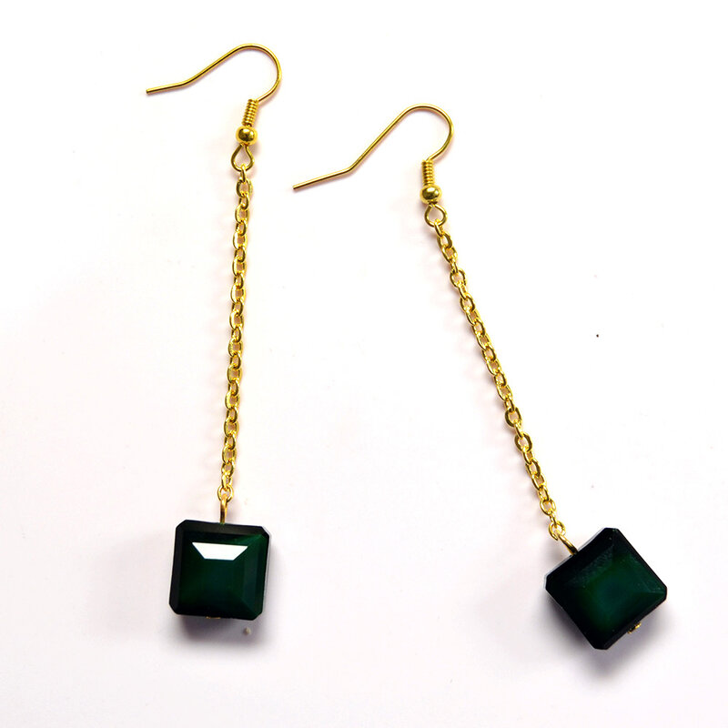 PandaHall-Ideas-on-Making-Simple-Beaded-Earrings-3