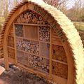 Hôtels de charme pour les abeilles forestières