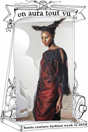 défilé haute couture, robe en organza dame de coeur