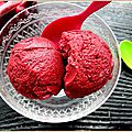Glace aux fruits rouges