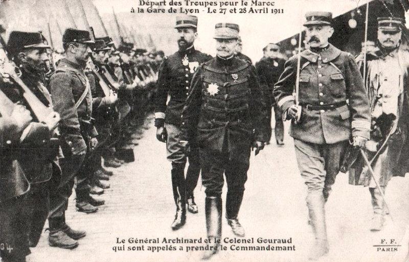 Général_Archinard_et_colonel_Gouraud,_1911