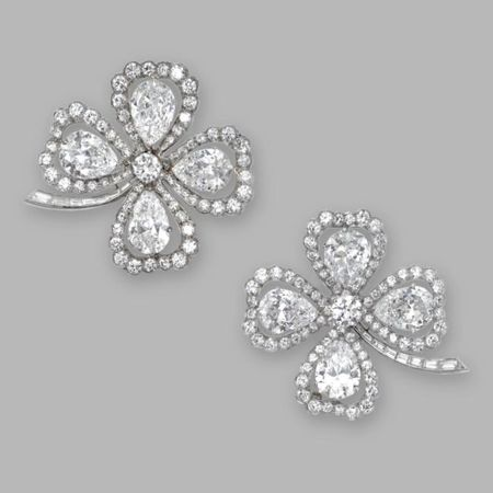 Pair_of_Platinum_and_Diamond_Clover_Brooches__Van_Cleef___Arpels__New_York__Circa_1950