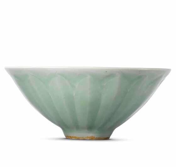 A moulded Longquan celadon 'lotus petal' bowl, Southern Song dynasty (1127-1279)