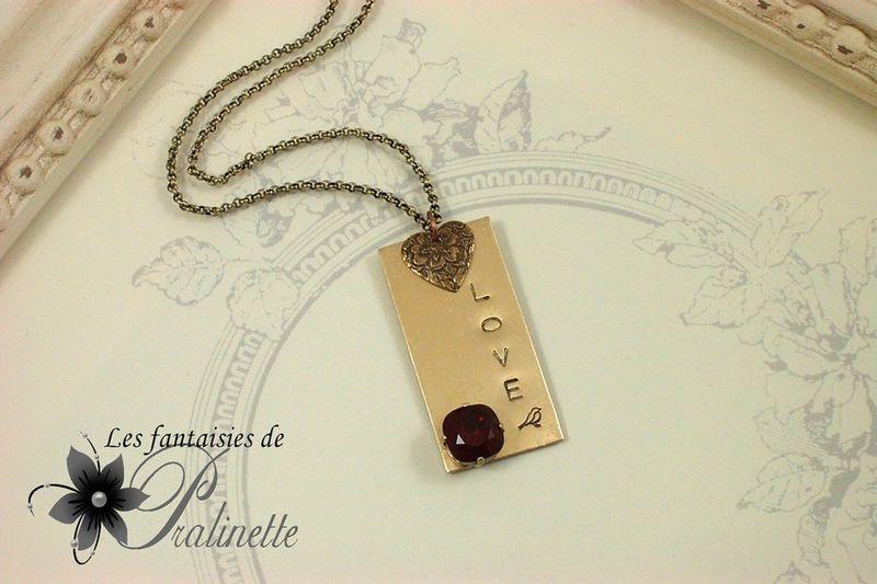 bijoux-mode-vintage-plaque-gravée-cabochon