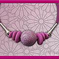 Collier maxi perle effet mosaïque fushia