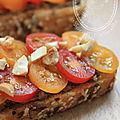 Tartine champignons et truffes - tomates fraiches et noix de cajou