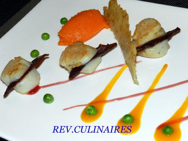 Coquille st jacques au magrets de canard, jus de mangue et mousseline de carottes