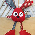 lapin_rouge_gris_coeur__toile