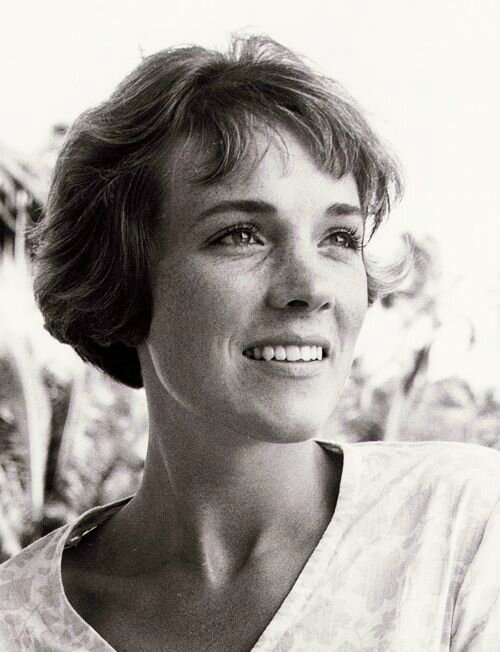 JULIE ANDREWS2