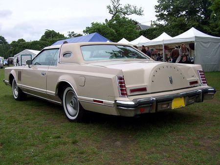 LINCOLN Continental Mark V Cartier Hardtop Coupe 1979 Exposition de voitures anciennes du Vesinet en 2009 2