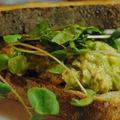 Sandwich au thon mayo d'avocado!