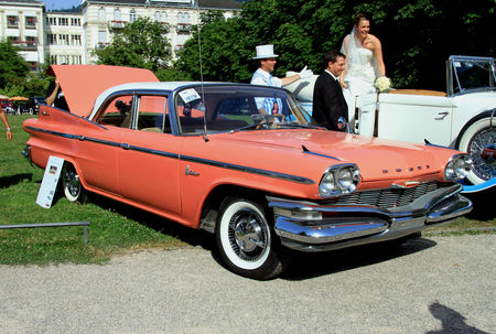 Dodge_matador_4door_sedan_de_1960__34_me_Internationales_Oldtimer_meeting_de_Baden_Baden__01