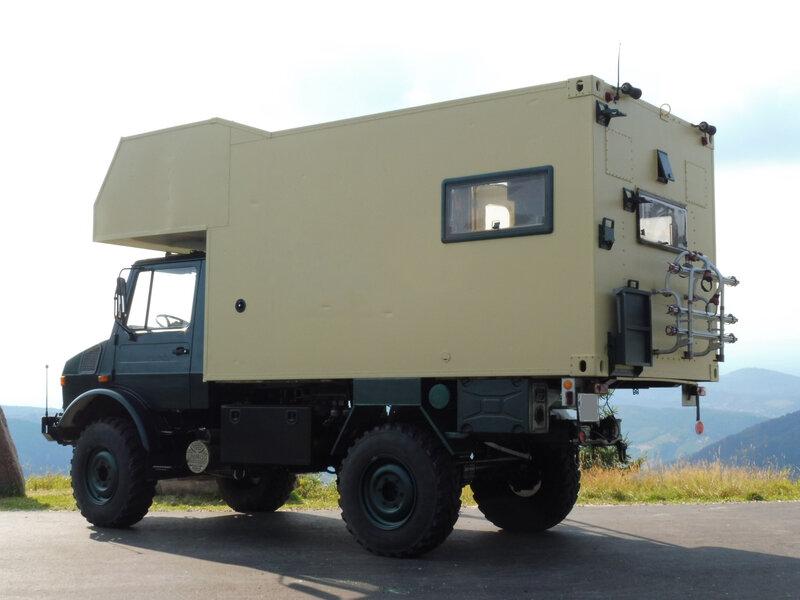 UNIMOG 1300L avec cellule camping-car Schwarzmiss (2)