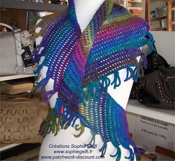 crazy swirl shawlette 3