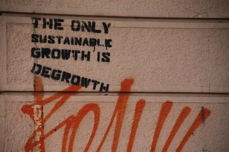 degrowth-graffiti