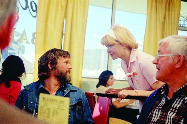 picture-of-ellen-burstyn-and-kris-kristofferson-in-alice-doesn-x27-t-live-here-anymore-large-picture