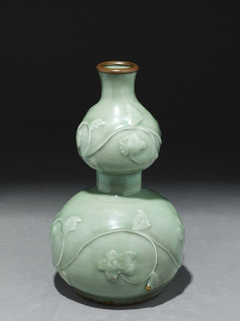 Longquan celadon vase in double-gourd form, Yuan Dynasty (1279 - 1368)