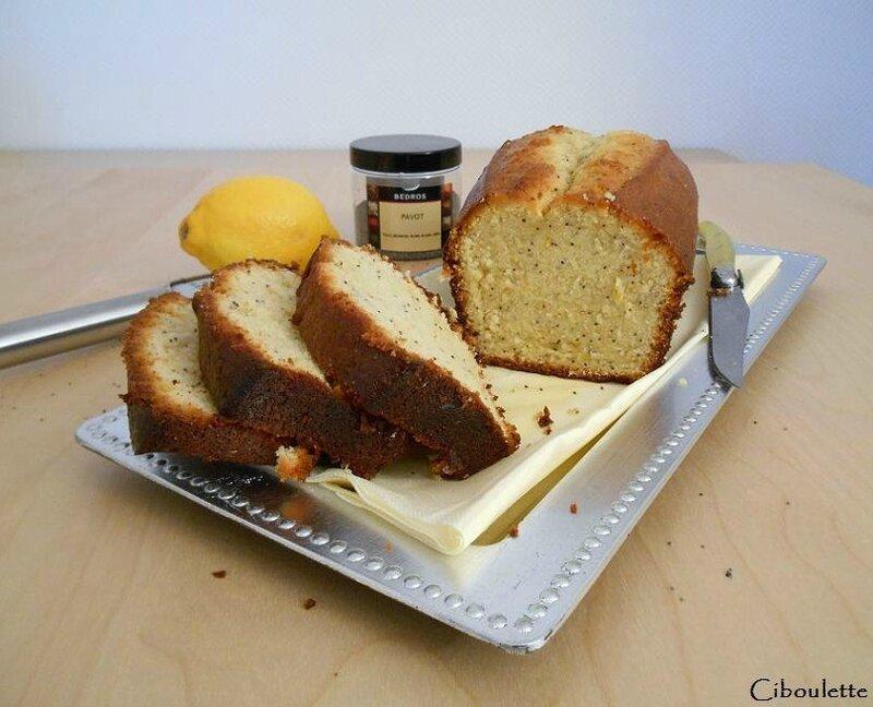 Cake au citron, pavot & gingembre