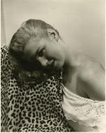 1946-01-model-frank_and_joseph_shampoo-H_Maier_studio-012-1