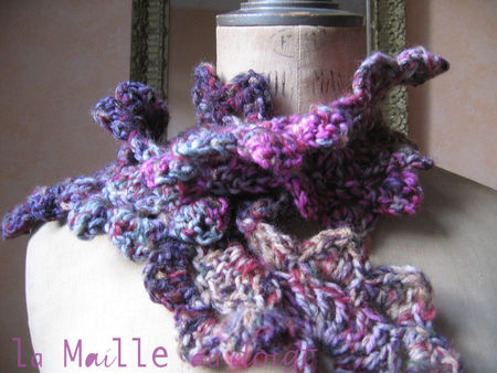 scarf_flowers_crochet_maille_au_doigt
