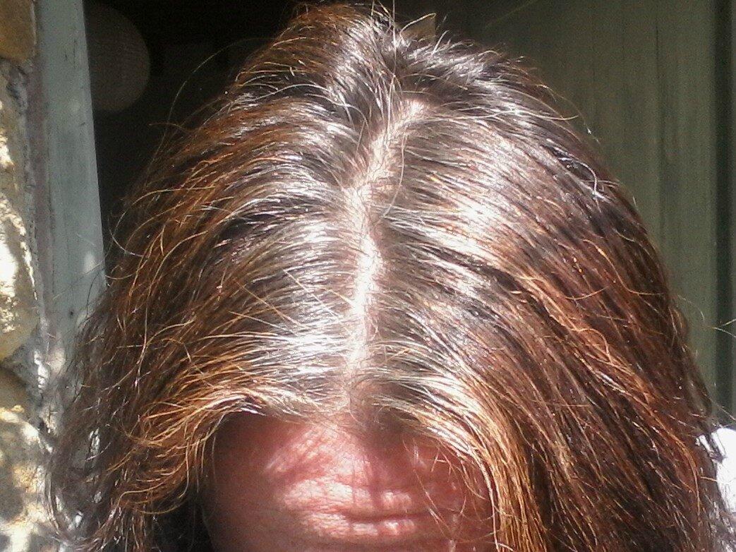 Coloration cheveux blanc avec henne