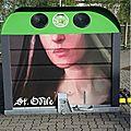 Street-art sur les récupérateurs de verres