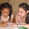 los estudiantes del Instituto OHiggins ayudan a las tareas