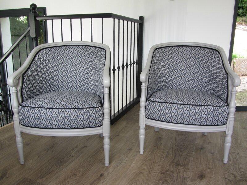 paire de fauteuils retapissés côté sièges