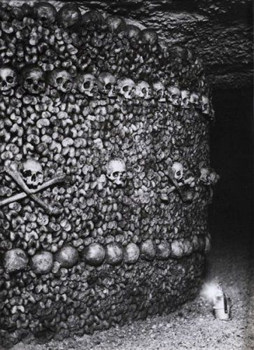 Studio BERNAND. Catacombes, Paris, circa 1950