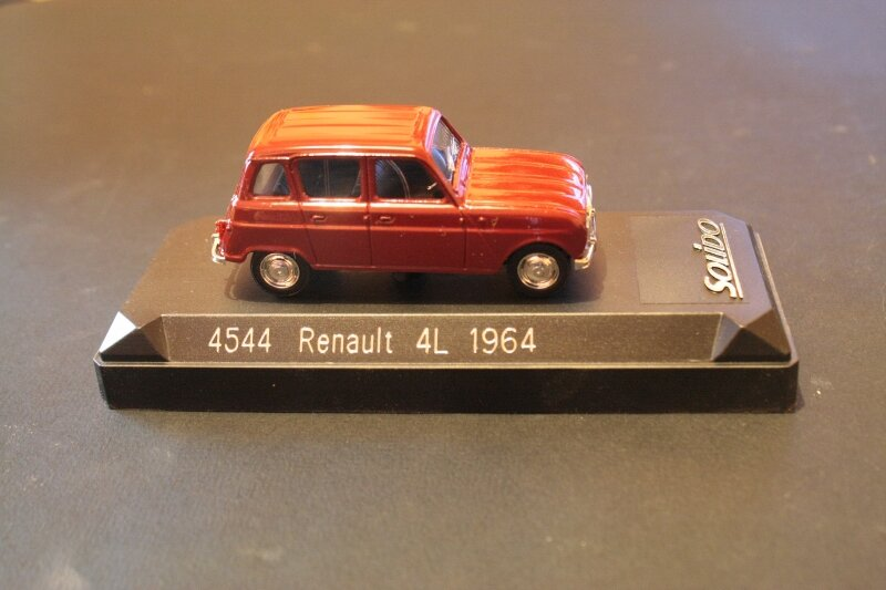 4544_Renault R4L _03