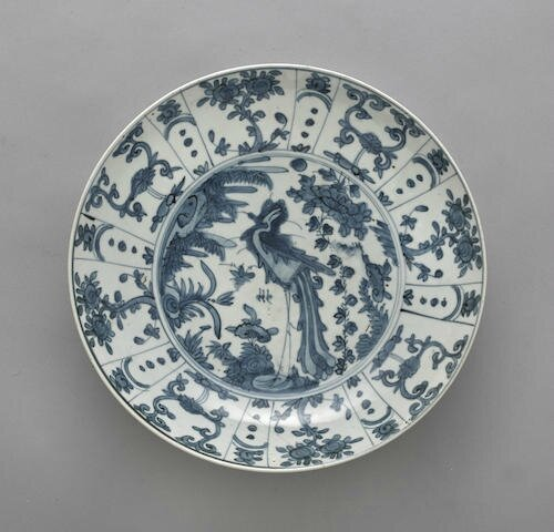 A blue and white Swatow ware dish, Late Ming dynasty