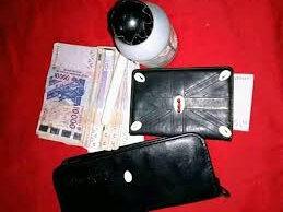 porte-monnaie magique d'argent-marabout voyant Malayikan