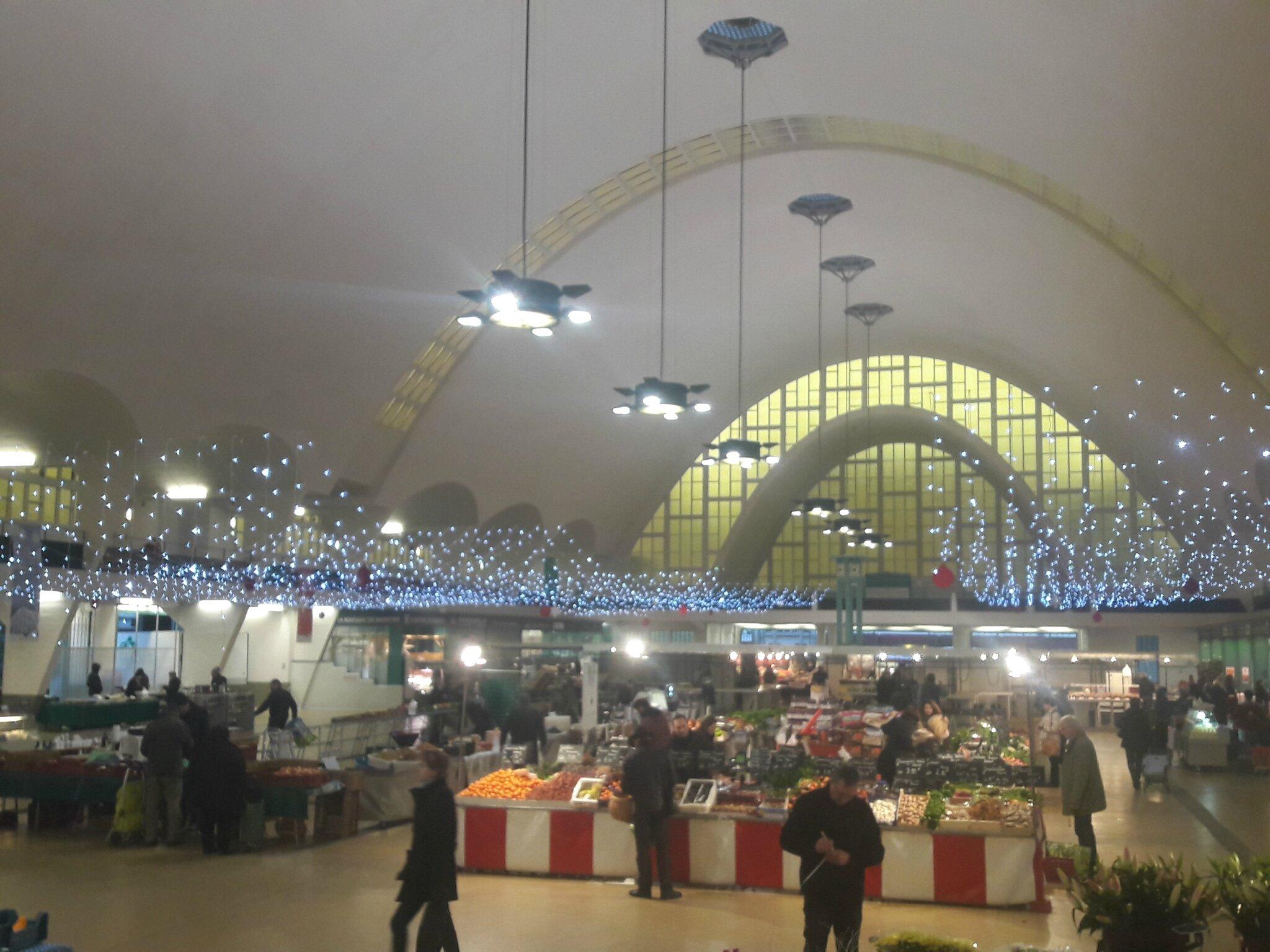 Grand marché de 8 à 20 heures sous les halles ce vendredi 23 décembre
