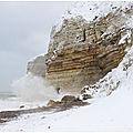 Etretat - Plage du Tilleul sous la neige