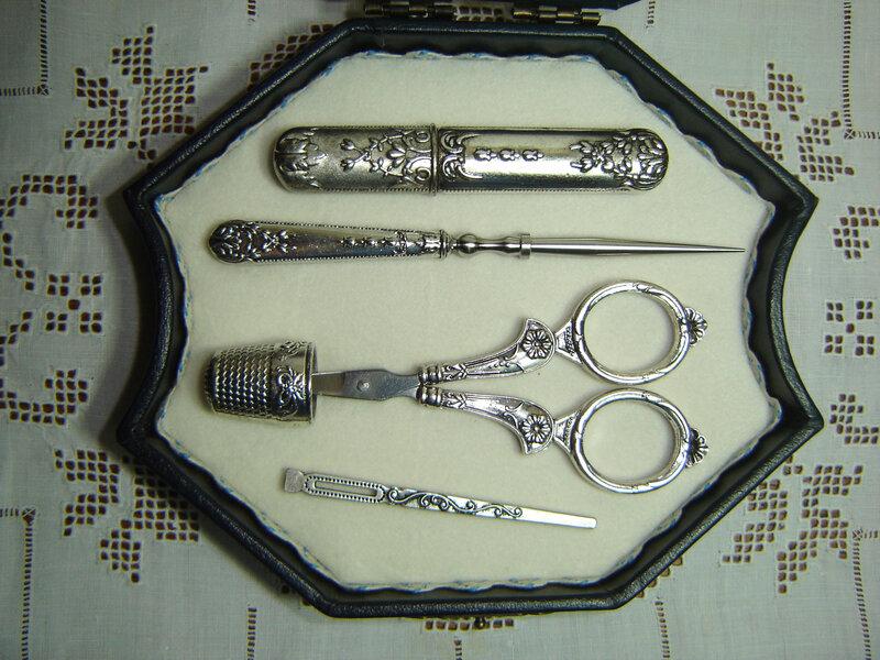 instruments de brodeuse