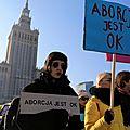 Pologne : manifestation contre la quasi-interdiction de l'ivg