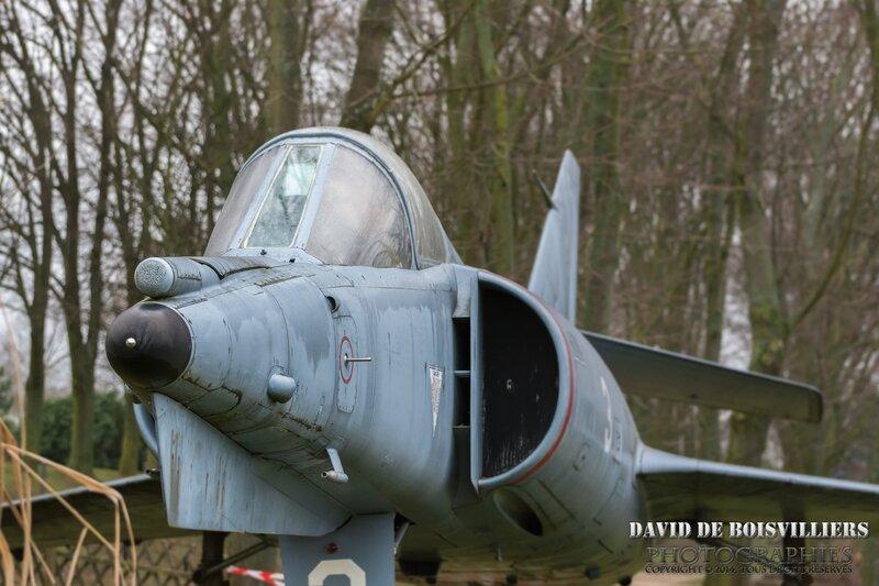 Avion de chasse Dassault - Coulée Verte, Paray-vieille-Poste