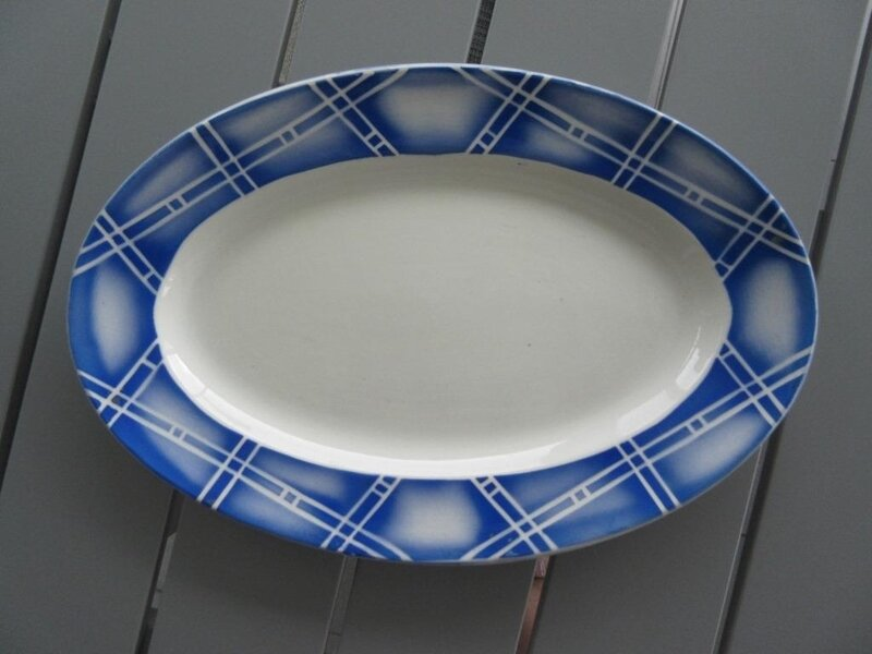ROSTAND plat oval