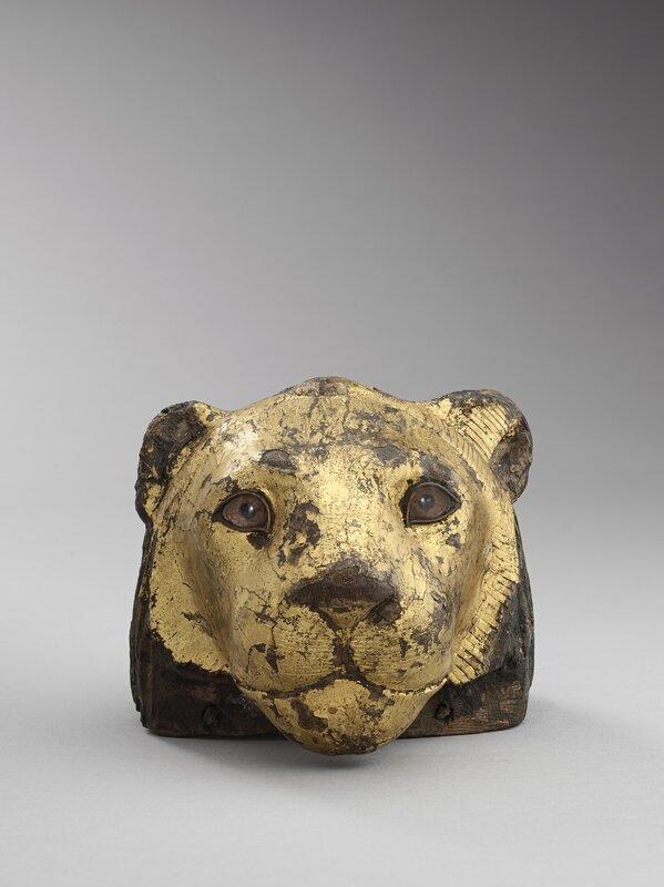 elemento-de-un-mueble-en-forma-de-cabeza-de-leon-madera-de-taray-tamarix-aphylla